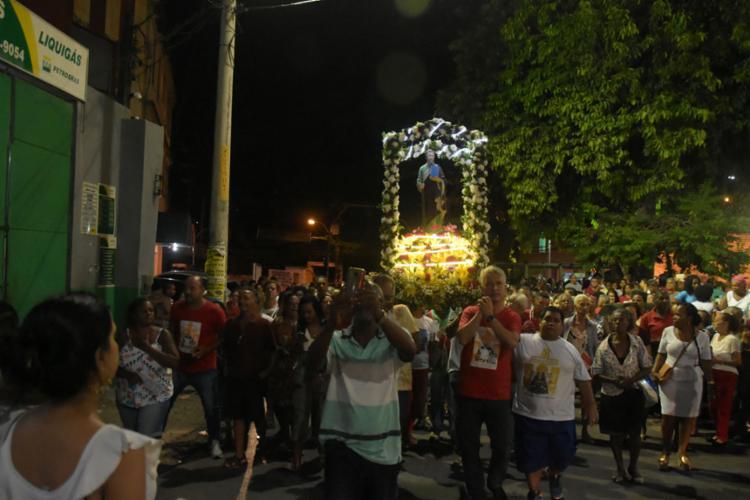 Data foi comemorada com missas e caminhadas - Foto: Filipe Augusto   Ag. A TARDE