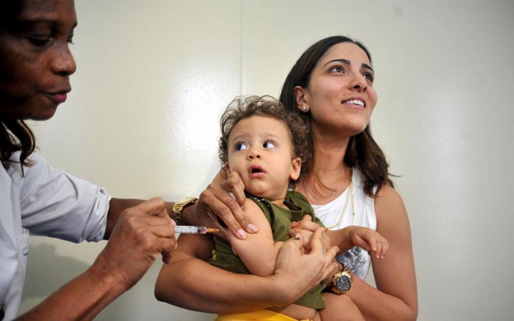 O grupo prioritário é formado por crianças dentro da faixa etária entre seis meses e menores de 5 anos - Foto: Felipe Iruatã | Ag. A TARDE