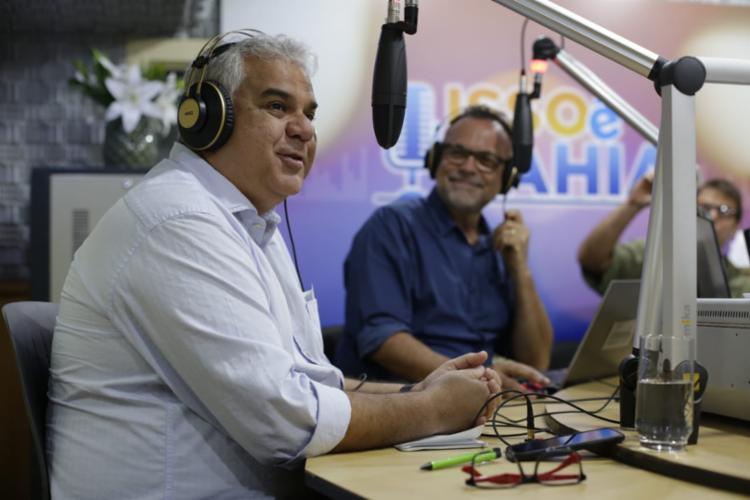 O secretário Sérgio Guanabara esteve no programa 'Isso é Bahia' desta segunda - Foto: Raul Spinassé | Ag. A TARDE