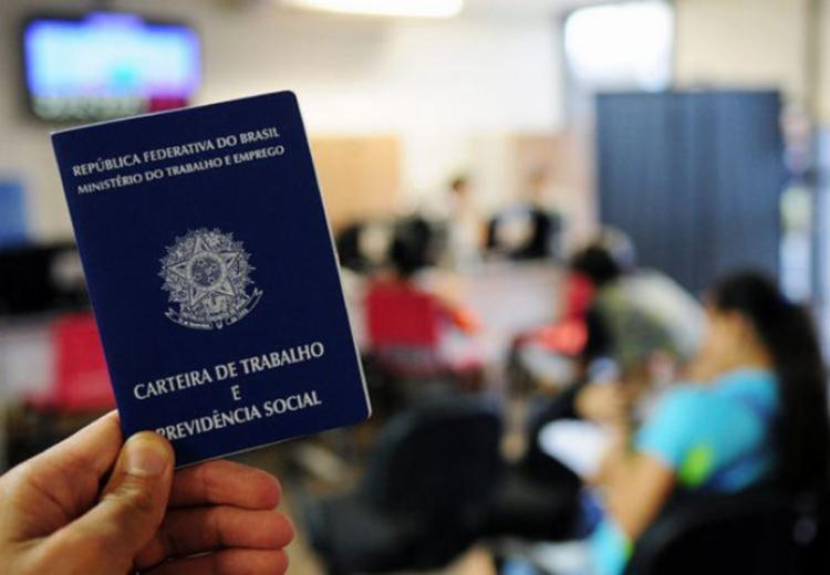 A Carteira de Trabalho é um dos documentos exigidos - Foto: Divulgação