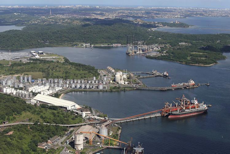 Região abriga a Base Naval de Aratu e o porto de mesmo nome - Foto: Carlos Casaes