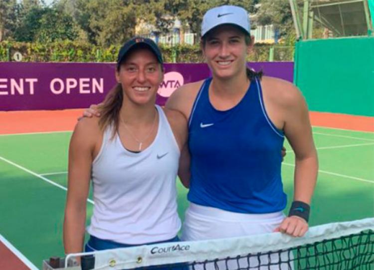 Brasileira e norte americana venceram Katarzyna Piter e Eleonora Molinaro por 2 sets a 0 - Foto: Divulgação