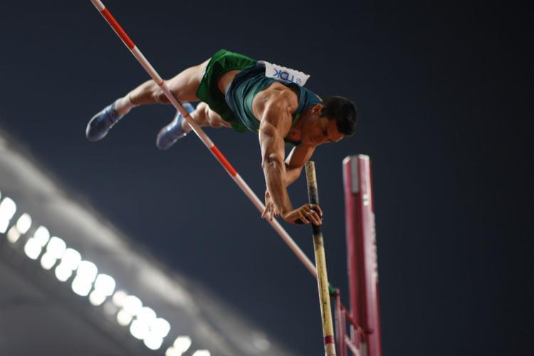 Braz falhou em suas três tentativas de superar o sarrafo em 5,80m, terminando a disputa com a marca de 5,70m - Foto: Kirill Kudyavtsev l AFP