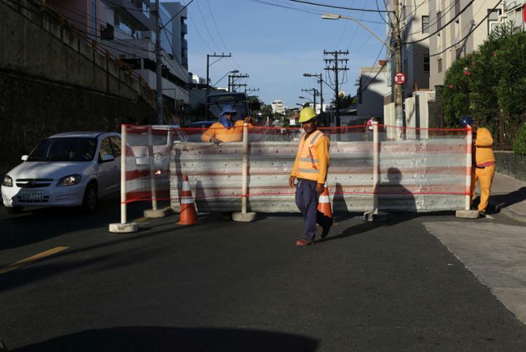 Rua Direita da Piedade ficará bloqueada para operação de um guindaste - Foto: Uendel Galter | Ag A TARDE