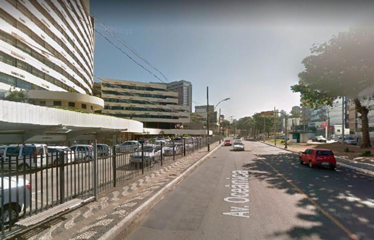 Interdição acontece nas imediações do Ondina Apart Hotel - Foto: Reprodução | Google Street View