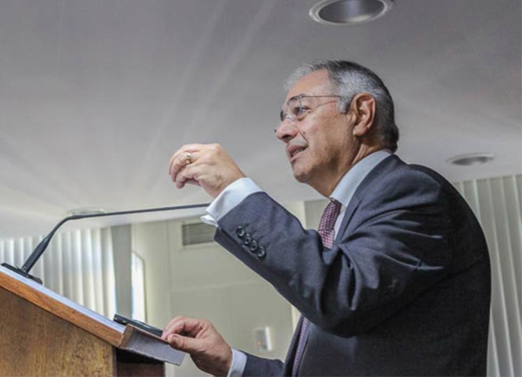 Vitor Caldeira abriu o ciclo de palestras do TCE - Foto: Divulgação   TCE