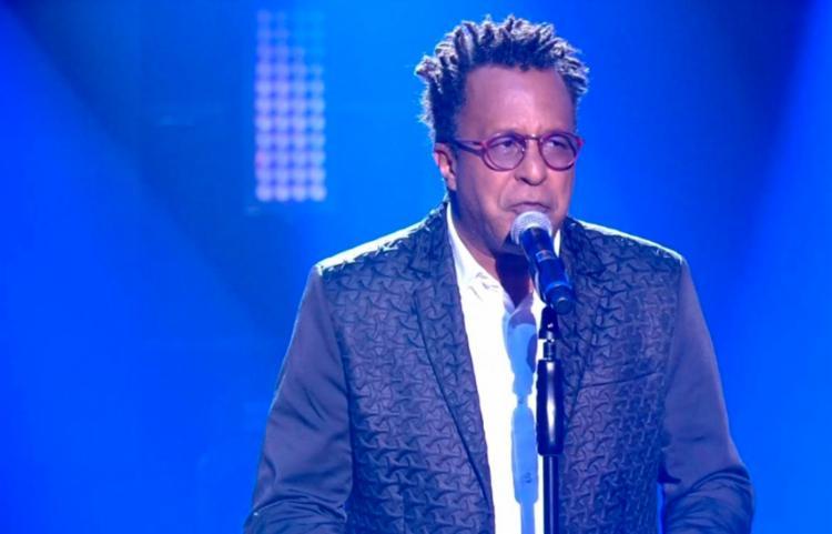 Cantor se consagra como a melhor voz do reality e garante um prêmio de R$ 500 mil, além de um contrato com a Universal Music - Foto: Reprodução | Rede Globo