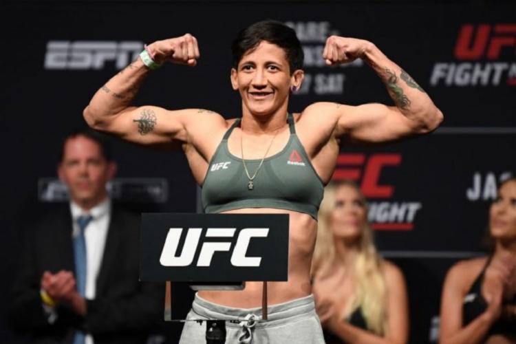 Virna está indo para sua segunda luta na organização Foto: Divulgação - Foto: Reprodução | UFC