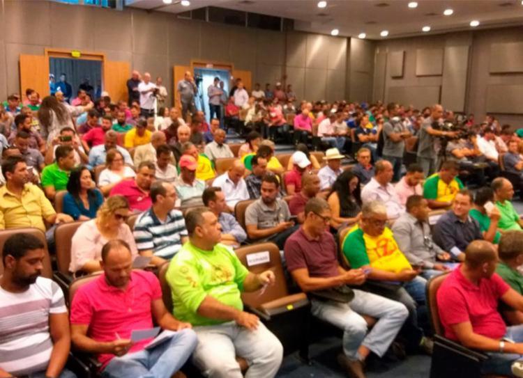 Após audiência categoria segue protesto em direção ao centro da cidade - Foto: Daniel Ferreira | Divulgação