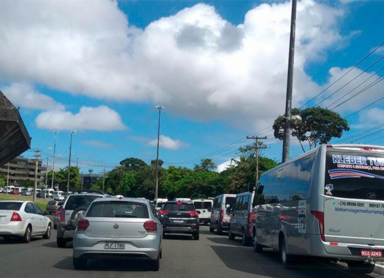 Manifestação deixou o trânsito congestionado no CAB