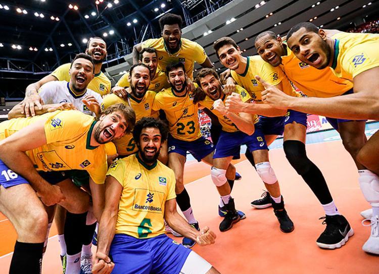Seleção venceu os rivais por 3 sets a 0, selando sua campanha de forma invicta - Foto: Divulgação | FIVB