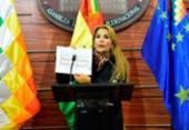 Em sessão esvaziada, senadora Jeanine Áñez se declara presidente da Bolívia | Foto: Reprodução | Facebook