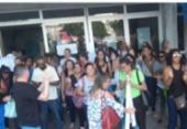 Funcionários protestam em frente ao Hospital Roberto Santos | Foto: Divulgação | Sindisaúde