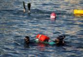 Grupo coleta 20 kg de lixo no mar do Porto da Barra em uma hora | Foto: Felipe Iruatã | Ag. A TARDE