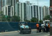 Homem fica ferido em capotamento na avenida Juracy Magalhães Júnior | Foto: Ashley Malia | Ag. A TARDE