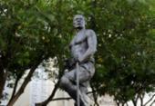 Unegro realiza Lavagem da estátua de Zumbi dos Palmares nesta quarta | Foto: Adilton Venegeroles | Ag. A TARDE