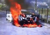 Carro pega fogo no Porto Seco Pirajá   Reprodução   TV Bahia