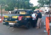 Idoso suspeito de estelionato é preso com carro roubado | Divulgação | PRF