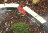 Festa do Flamengo tem confusão e torcedores pisoteados   Reprodução   TV Globo