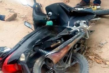 Mulheres ficam feridas em acidente de moto em Arraial d'Ajuda | Reprodução | Teixeira Hoje