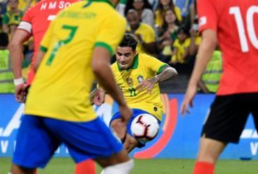 Após 5 anos, Coutinho dá fim a jejum sem gols de falta na seleção | Khaled Desouki | AFP