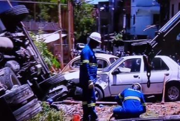 Caminhão tomba em campo do Bariri | Reprodução | TV Bahia