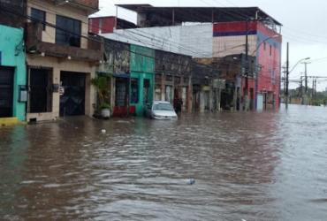 Auxílio pago para famílias atingidas pelas chuvas em Salvador ultrapassa R$ 1,4 milhão | Shirley Stolze | Ag. A TARDE