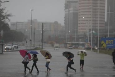Em estado de alerta máximo, Salvador terá chuvas até quinta-feira | Raul Spinassé | Ag. A Tarde