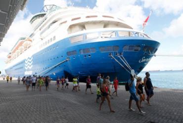 Navio de cruzeiro padrão paga R$ 250 mil para atracar no Porto de Salvador | Elói Corrêa | GOVBA