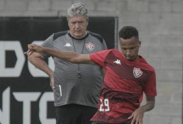 Com dúvidas no time, Vitória recebe Brasil de Pelotas na luta contra o Z-4 | Letícia Martins | EC Vitória