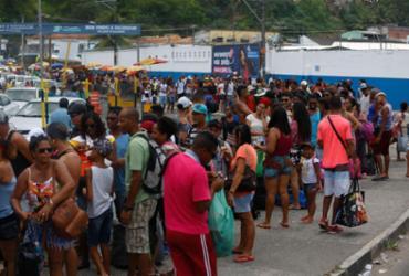 Movimento intenso nos pontos de saída de Salvador durante o feriado |