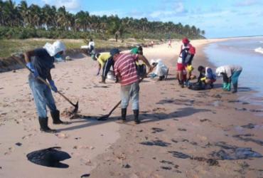Maraú inicia retirada de óleo do município | Divulgação