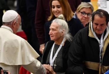 Papa Francisco almoça com moradores de rua no Dia Mundial dos Pobres |
