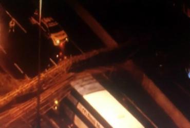 Passarela desaba e trava trânsito na Marginal do Tietê | Reprodução | Youtube