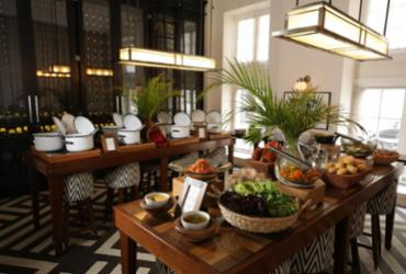Novo restaurante do Fera Palace Hotel tem cardápio inspirado na cozinha clássica brasileira | Raul spinassé / Ag. A Tarde