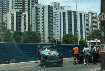 Homem fica ferido em capotamento na avenida Juracy Magalhães Júnior | Ashley Malia | Ag. A TARDE