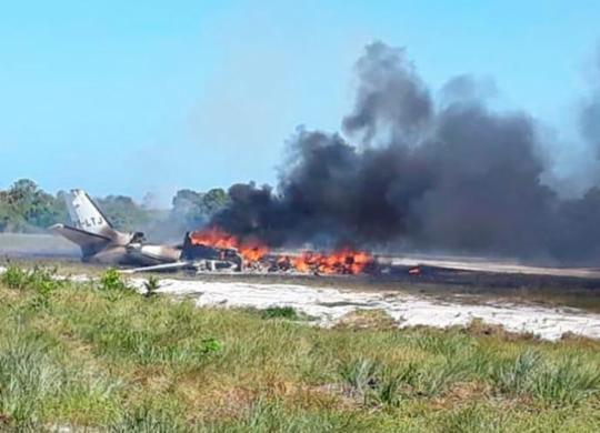 Mulher morre carbonizada e nove ficam feridos após queda de aeronave no sul da Bahia | Dudu Face | Camamu Noticias