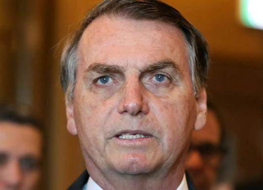 Porteiro que citou Bolsonaro recua em depoimento e diz que se enganou   José Dias   PR