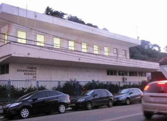 Homens armados invadem fórum e assaltam funcionário em Ilhéus | Divulgação