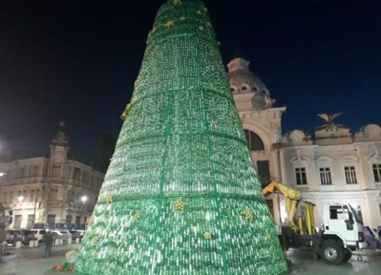 Árvore de Natal com 22 mil garrafas Pet será inaugurada nesta terça | Cidadão Repórter