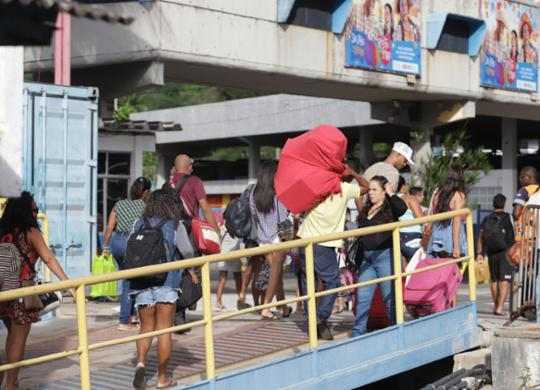 Rodoviária e ferry-boat contam com esquema especial para o feriadão   Uendel Galter   Ag. A TARDE