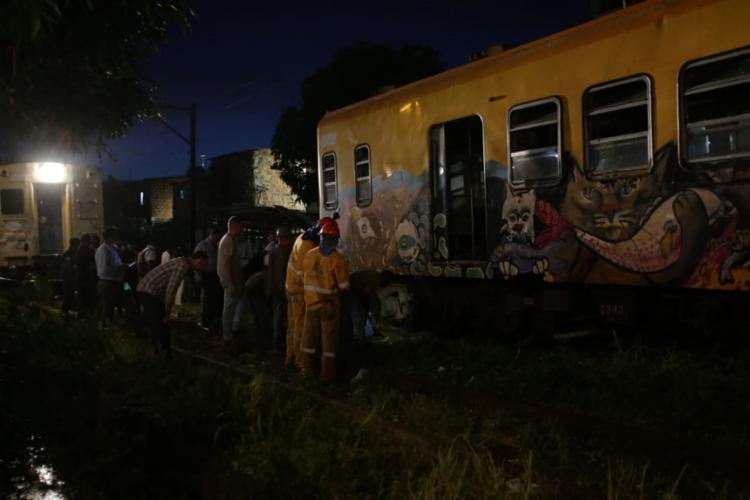 O acidente ocorreu entre as estações Santa Luzia e Lobato Foto: Uendel Galter | Ag. A TARDE - Foto: Uendel Galter | Ag. A TARDE