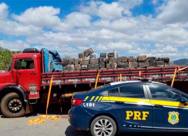 Caminhão carregava caixas vazias, o que levantou a suspeita dos agentes | Foto: Divulgação | PRF - Foto: Divulgação | PRF