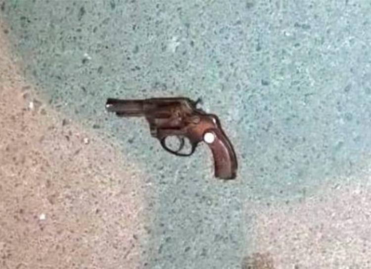 Arma utilizada no crime foi apreendida pelos policiais | Foto: Reprodução - Foto: Reprodução