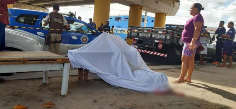 O motorista foi surpreendido por um homem | Foto: Denivaldo Costa - Foto: Denivaldo Costa