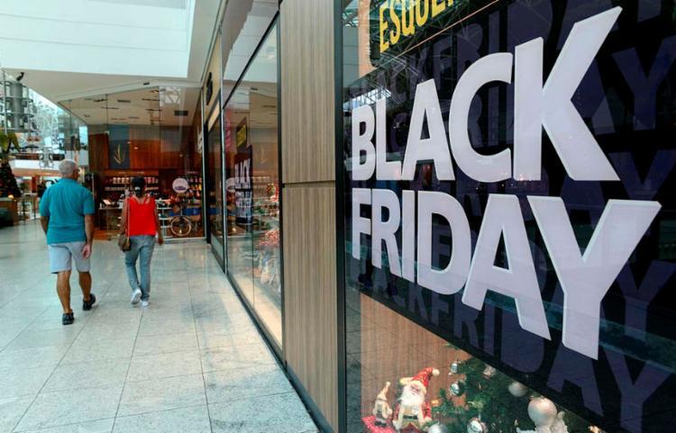 Neste momento, o consumidor deve se manter atento para não cair em fraudes   Foto: Shirley Stolze   Ag A Tarde - Foto: Shirley Stolze   Ag. A TARDE