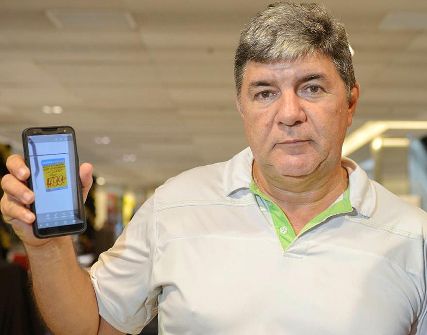 Loivo Pereira reclama de aumento do preço de uma geladeira || Ag. A TARDE