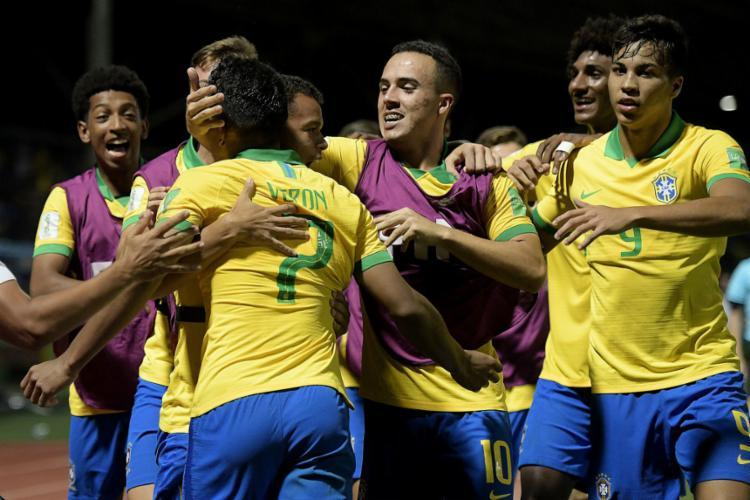 Talles Magno e Gabriel Veron marcaram os gols do triunfo da Canarinho - Foto: Alexandre Loureiro | CBF
