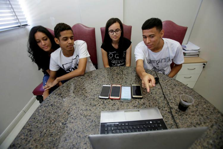 Estudantes desenvolveram um Acelerador de ONGs através de plataforma digital | Foto: Raphael Muller | Ag. A TARDE - Foto: Raphael Muller | Ag. A TARDE