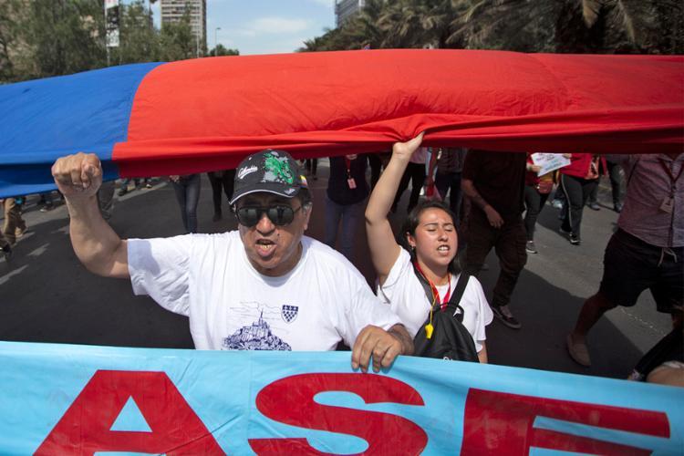 Chile completa nesta terça-feira, 12, 26 dias de mobilizações | Foto: Claudio Reyes | AFP - Foto: Claudio Reyes | AFP